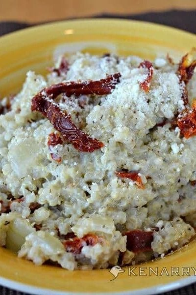 Creamy Garlic Parmesan Quinoa with Sun Dried Tomatoes - Kenarry.com