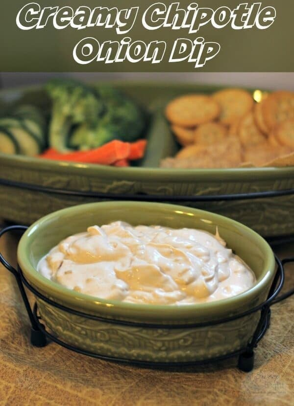 Easy Creamy Chipotle Onion Dip from Sweep Tight featured on Kenarry: Ideas for the Home