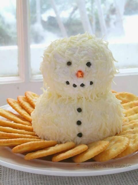 Cute and Yummy Snowman Cheeseball - Crafts a la Mode featured on Kenarry: Ideas for the Home