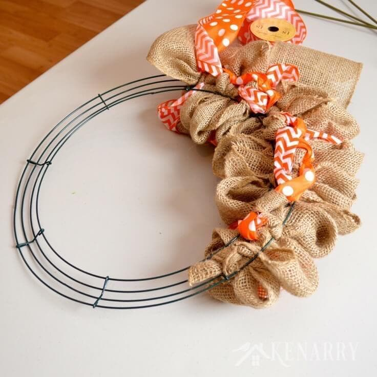 How to make a burlap wreath with accent ribbon for Burlap ribbon craft ideas