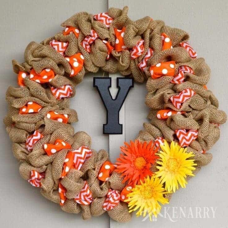 how to make a burlap wreath with accent ribbon - Christmas Burlap Wreath