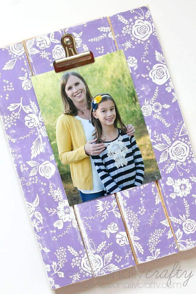 Interchangeable Picture Display
