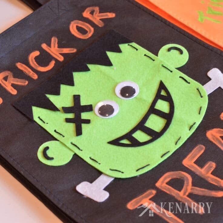 These DIY Halloween Trick or Treat Bags made with felt fabric are such a cute idea for kids! Plus they're sturdy enough to hold lots of Halloween candy for trick or treaters. #halloween #halloweencrafts #halloweenideas #trickortreat #fall #kenarry