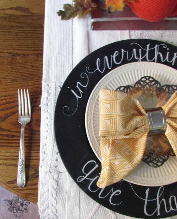 DIY Chalkboard Chargers – Pocketful of Posies featured at Think and Make Thursday on Kenarry.com
