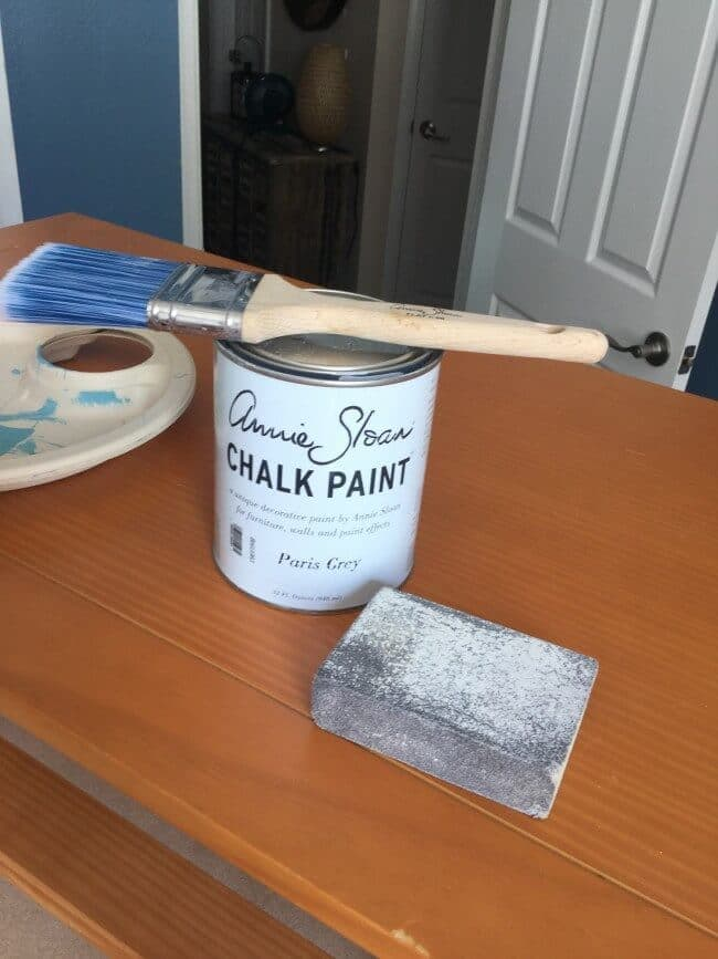 7 Quick Tips for Chalk Painting Furniture – Diane and Dean DIY featured at Think and Make Thursday on Kenarry.com