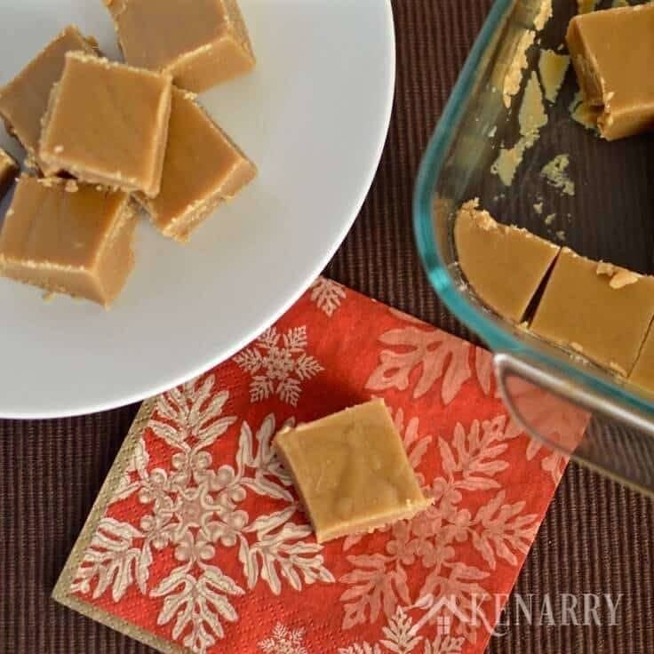 Delicious peanut butter fudge recipe would be a great idea to give as holiday gifts to friends and neighbors or a dessert for a Christmas party.