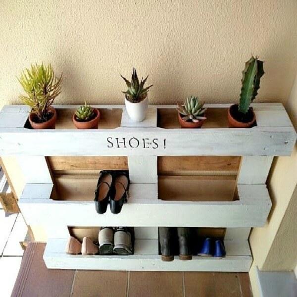 Diy easy pallet shoe rack - Fabriquer un meuble a chaussures ...