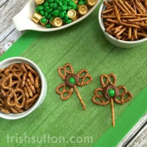 Pretzel Shamrocks: A Chocolate St. Patrick's Day Treat made with Salty Pretzels and Sweet Chocolate Rolos.
