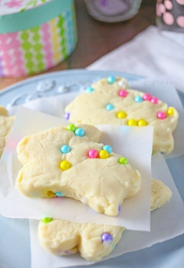 White Chocolate Bunny Fudge - Kleinworth & Co. featured on Kenarry.com