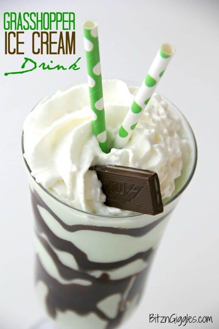 Grasshopper Ice Cream Drink - Bitz & Giggles - St. Patrick's Day Treats featured on Kenarry.com