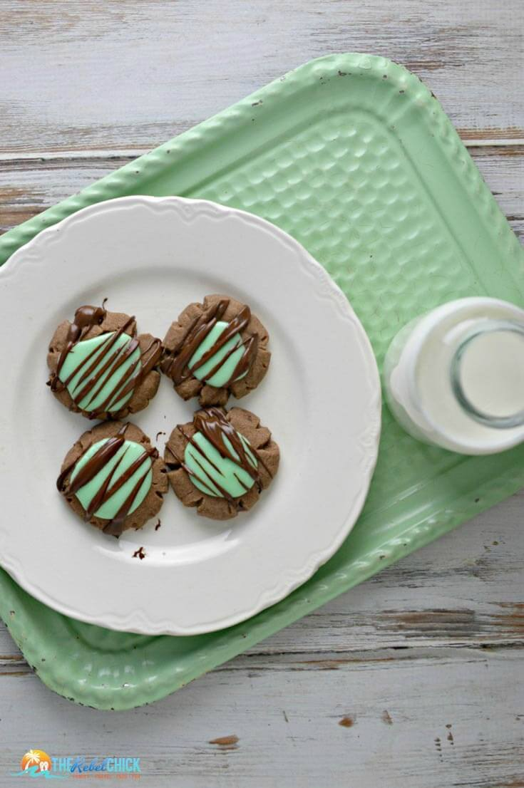 Mint Chocolate Cookies Recipe - St. Patrick's Day Treat - The Rebel Chick - St. Patrick's Day Treats featured on Kenarry.com