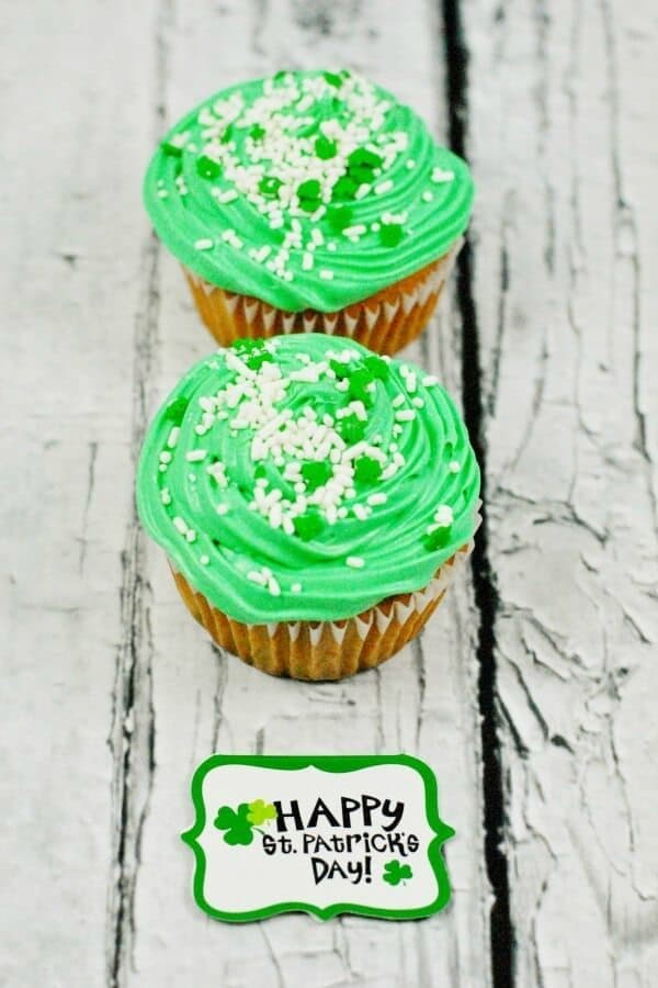 St. Patrick's Day Surprise Inside Cupcake Recipe – This Mama Loves - St. Patrick's Day Treats featured on Kenarry.com