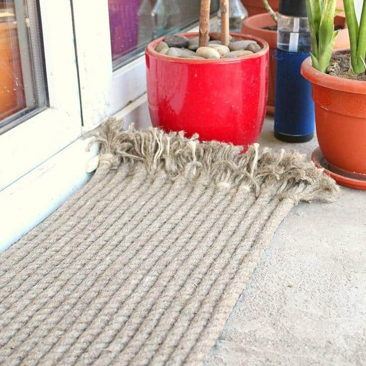 DIY Outdoor Rug with Rope