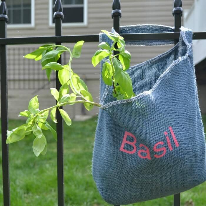 How to Sew a Hanging Herb Bag