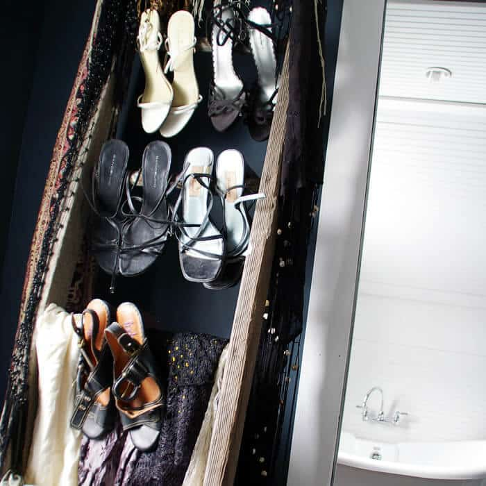 How to turn a ladder into a closet shoe rack