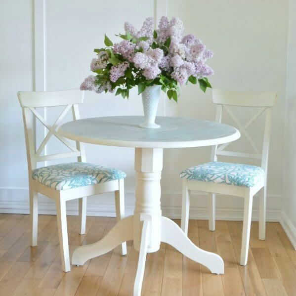 How to repaint a small dining room table
