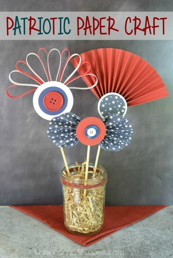 Patriotic Paper Craft – This Mama Loves - 4th of July Party Decor featured on Kenarry.com
