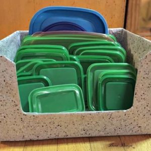 Freebie DIY: Recycled Food Storage Lid Organizer