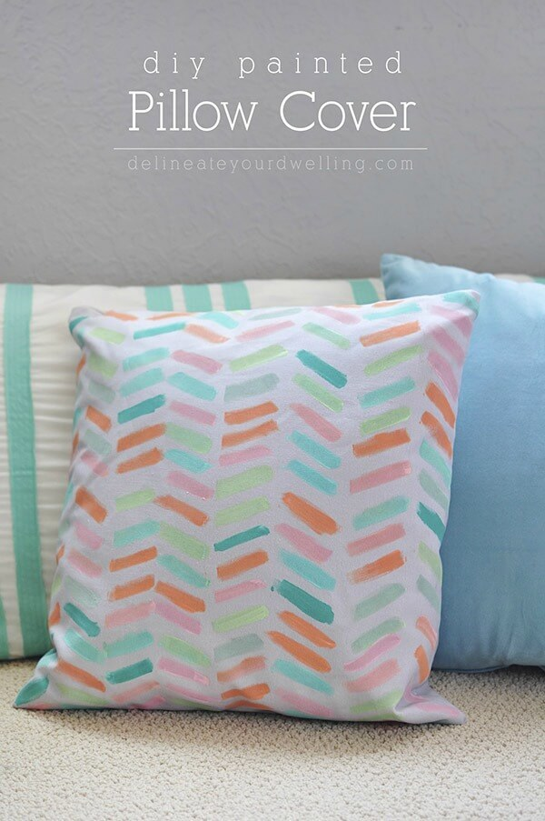 DIY Painted Pillow Cover \u2013 Delineate Your Dwelling - 18 DIY Throw Pillow Tutorials featured on & DIY Throw Pillow Tutorials: 18 Great Home Decor Ideas pillowsntoast.com
