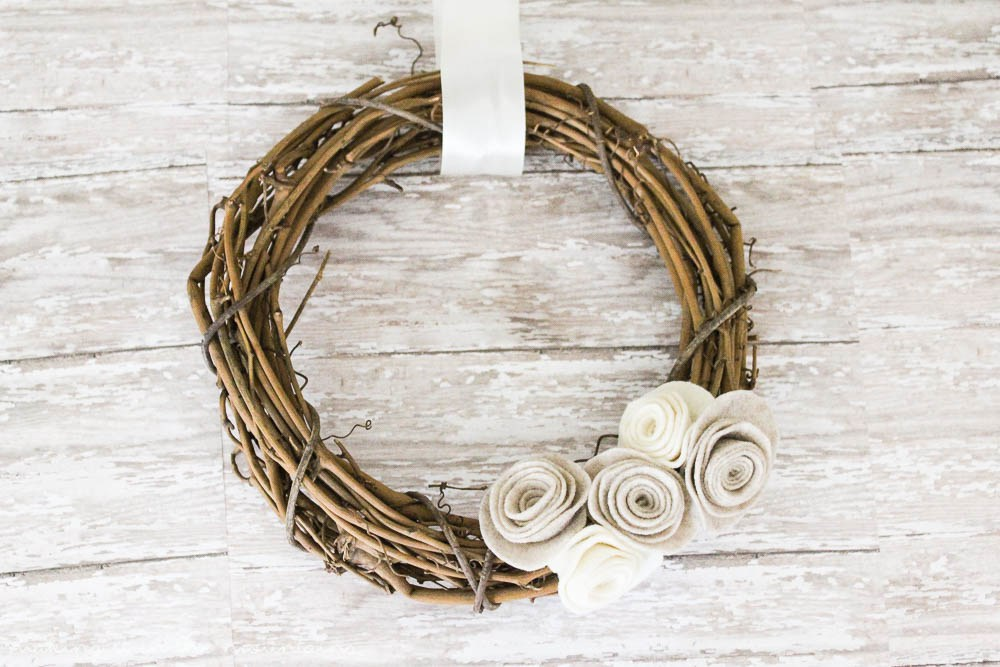 10 MINUTE DECORATING: A QUICK & EASY FALL WREATH