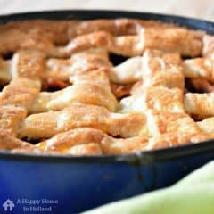 Appeltaart - a popular and super delicious traditional recipe for 'Dutch Apple Pie'