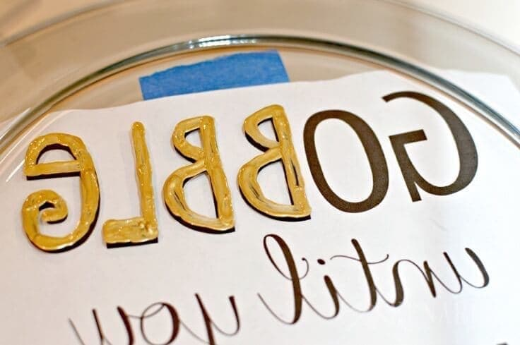 Love this easy hostess gift idea! Make a Hand painted Thanksgiving Platter that says