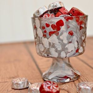 Holiday Candy Dish: Easy Christmas Craft Idea for Kids