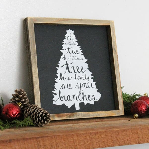 Holiday Home Decor Signs and Free Printable Gift