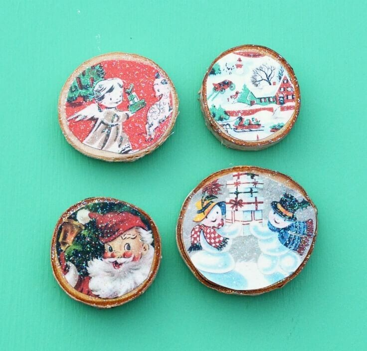 Wood Slice Vintage Christmas Card Magnets – Mod Podge Rocks featured on Kenarry.com