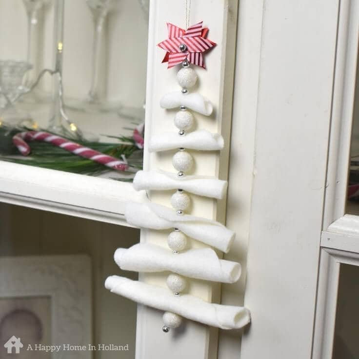 DIY Hanging Christmas Tree Decoration