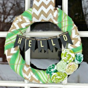 Easy DIY St. Patrick's Day Wreath – View From the Fridge - St. Patrick's Day Home Decor Ideas featured on Kenarry.com
