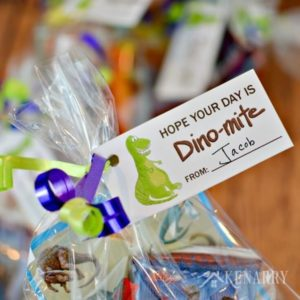 Dinosaur Party Favors: Free Printable Treat Tags
