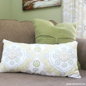How to Make a Pillow From Extra Fabric