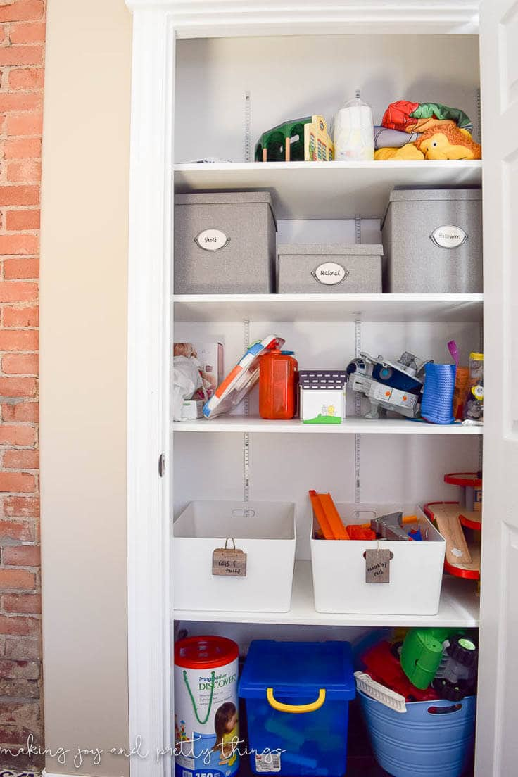 Learn how to organize all of your kids' toys and clothes with a few simple storage solutions. Finally learn how to organize your kid's closet!