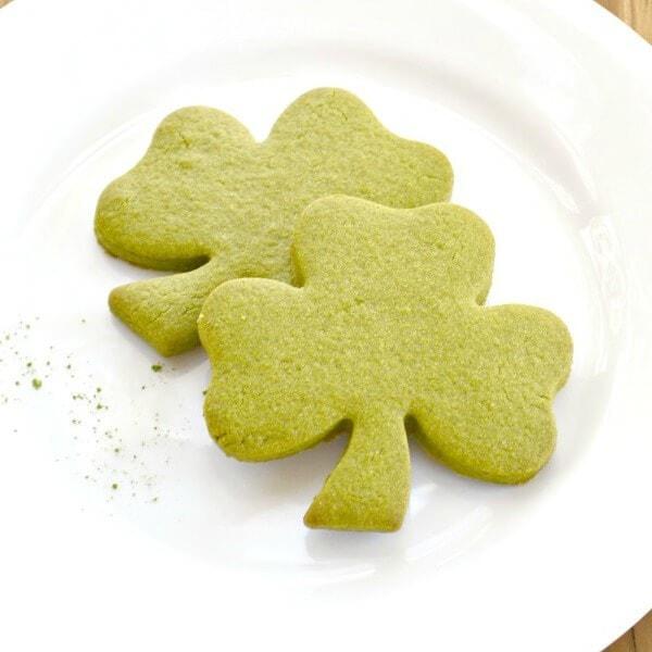St. Patrick's Day Desserts: 17 Shamrock + Rainbow Ideas