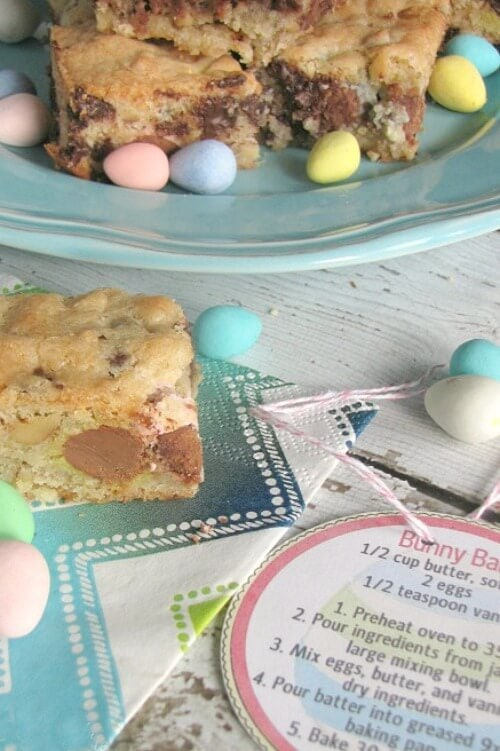 Mini Egg Dessert Bars and Free Printable - Clean and Scentsible - Easter Desserts featured on Kenarry.com