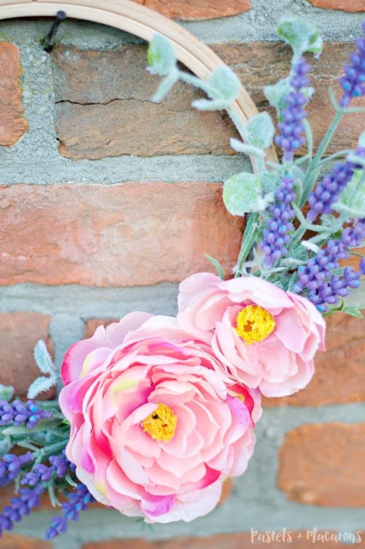 DIY Embroidery Hoop Spring Wreath using flowers