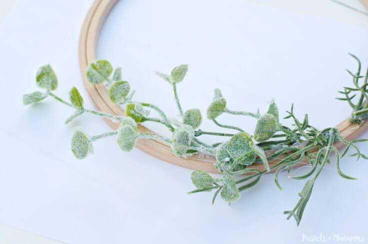 DIY Embroidery Hoop Spring Wreath
