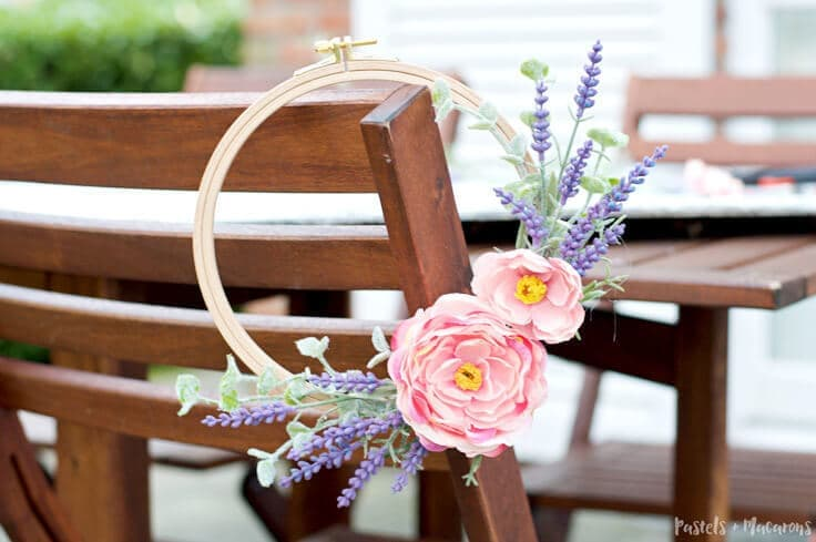 Embroidery Hoop Spring Wreath perfect for the warmer months