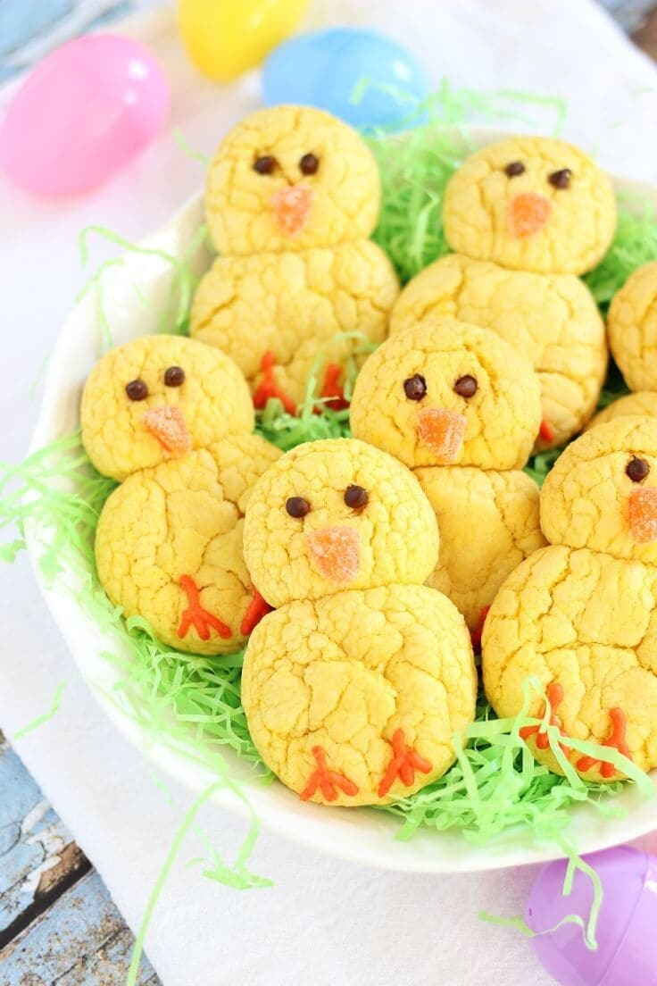 Easter Chicks Lemon Cookies - The Gold Lining Girl - Easter Desserts featured on Kenarry.com