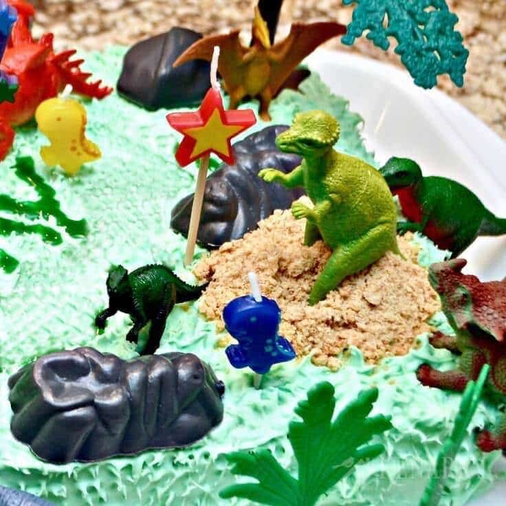 What A Cute And Super Easy Idea For Dinosaur Birthday Cake My Child Would