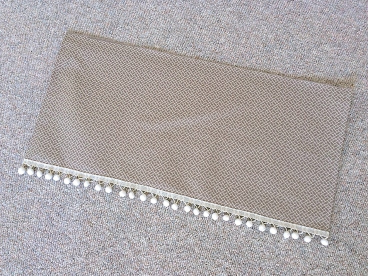 The front of the completed valance.