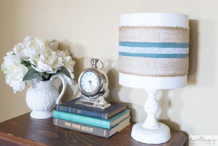 Quick and Easy Farmhouse Style Burlap Lampshade – Dwelling in Happiness -- 12 creative burlap craft projects featured on Kenarry.com