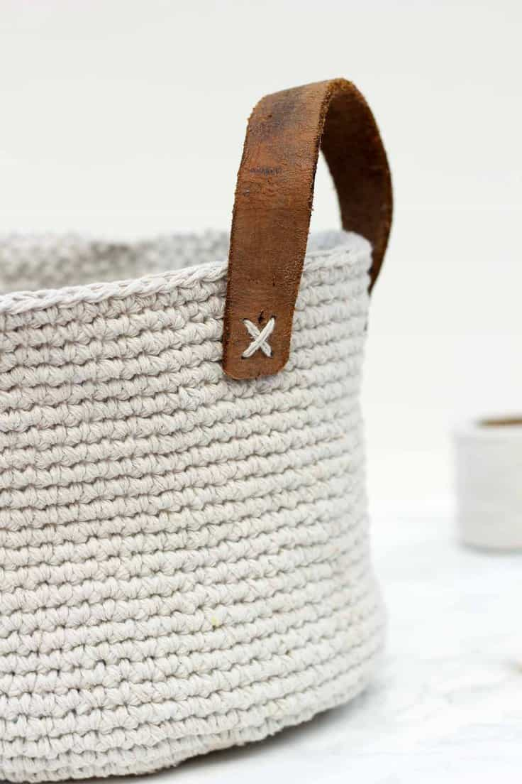 Twine and Leather Crocheted Basket – Make and Do Crew - Jute Craft Ideas / DIY Projects with Twine featured on Kenarry.com