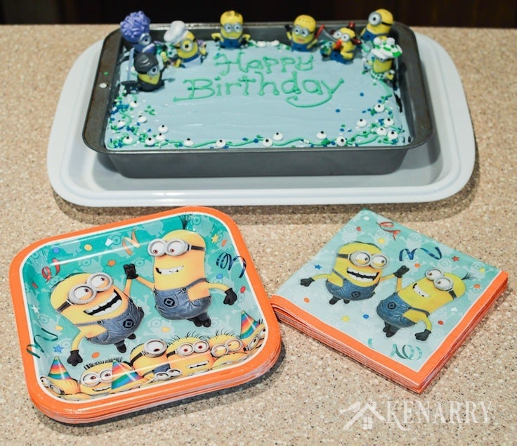 Minions Paper Plates And Napkins Go Perfectly With This Birthday Cake For A Despicable Me