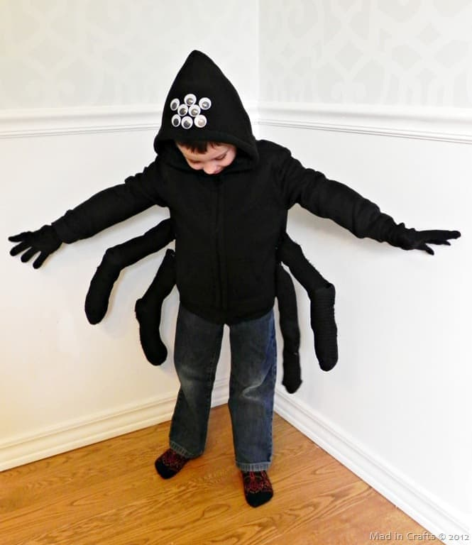 Last Minute Spider Costume – Mad in Crafts - Halloween Costumes: The 15 Cutest Ideas for Kids featured on Kenarry.com