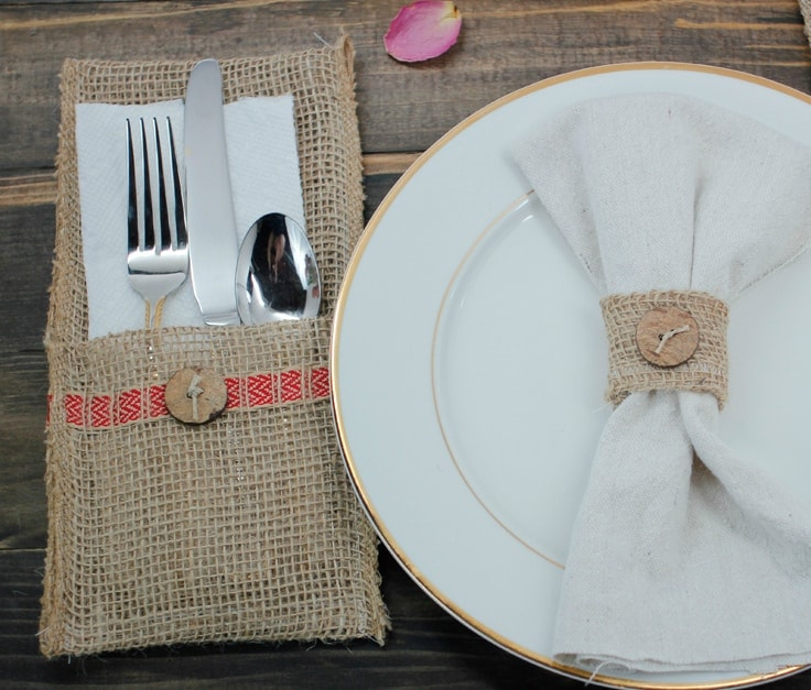 Create your own burlap utensil holder or burlap napkin rings to add farmhouse style and rustic texture to your Thanksgiving table decor. It's a beautiful DIY idea for holiday parties or a Christmas dinner with your family.