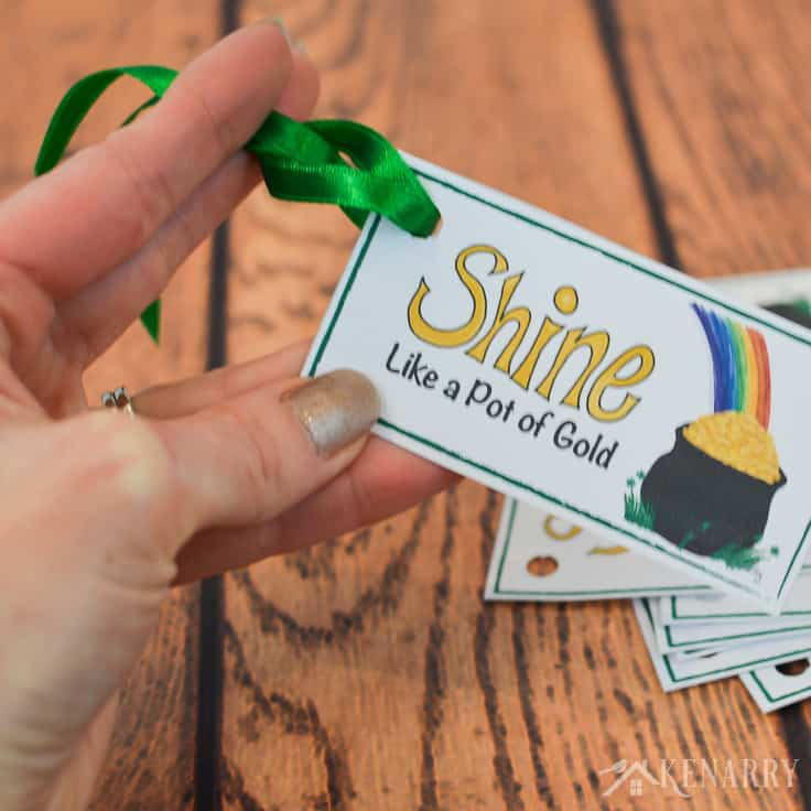 Green ribbon and these free printable treat tags are perfect to attach to your St. Patrick's Day party favors. With a pot of gold and a rainbow they're colorful and fun for both kids and adults.