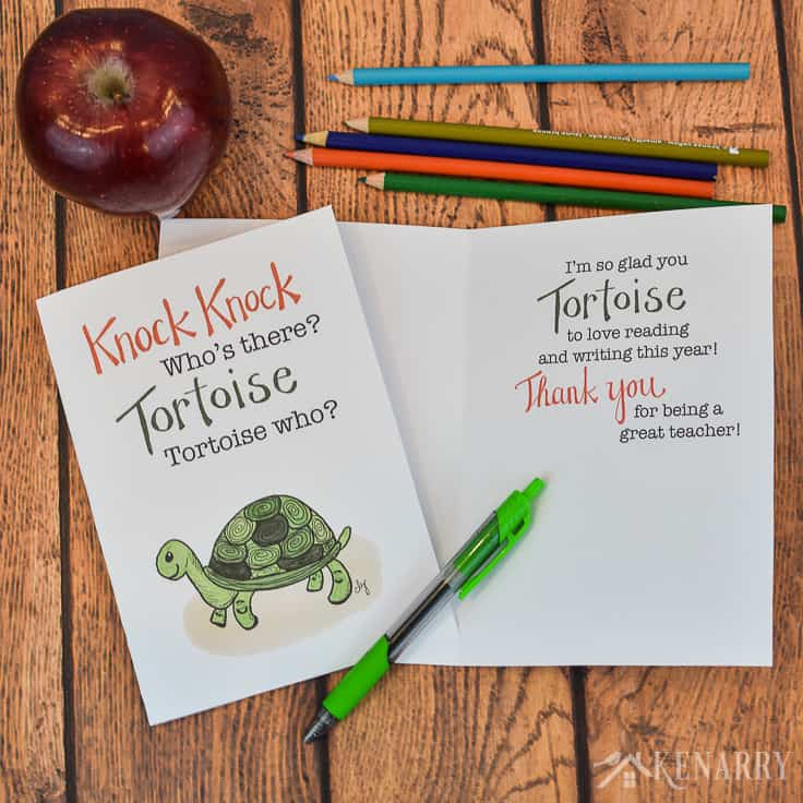 Need a funny teacher appreciation card to thank a special educator at the end of the school year? This free printable teacher card features a humorous knock knock joke that's a great way for kids to say thank you to elementary teachers. #teacherappreciation #teacher_appreciation_printable #teacherappreciationideas