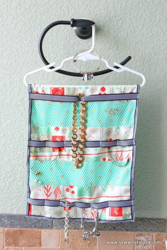Hanging Jewelry Organizer Tutorial – Sew What Alicia - 16 Brilliant Ideas for DIY Jewelry Organizers on Kenarry.com